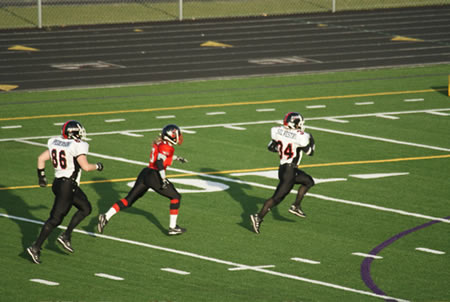 Karyn Silvestri runs for a 61-yard touchdown